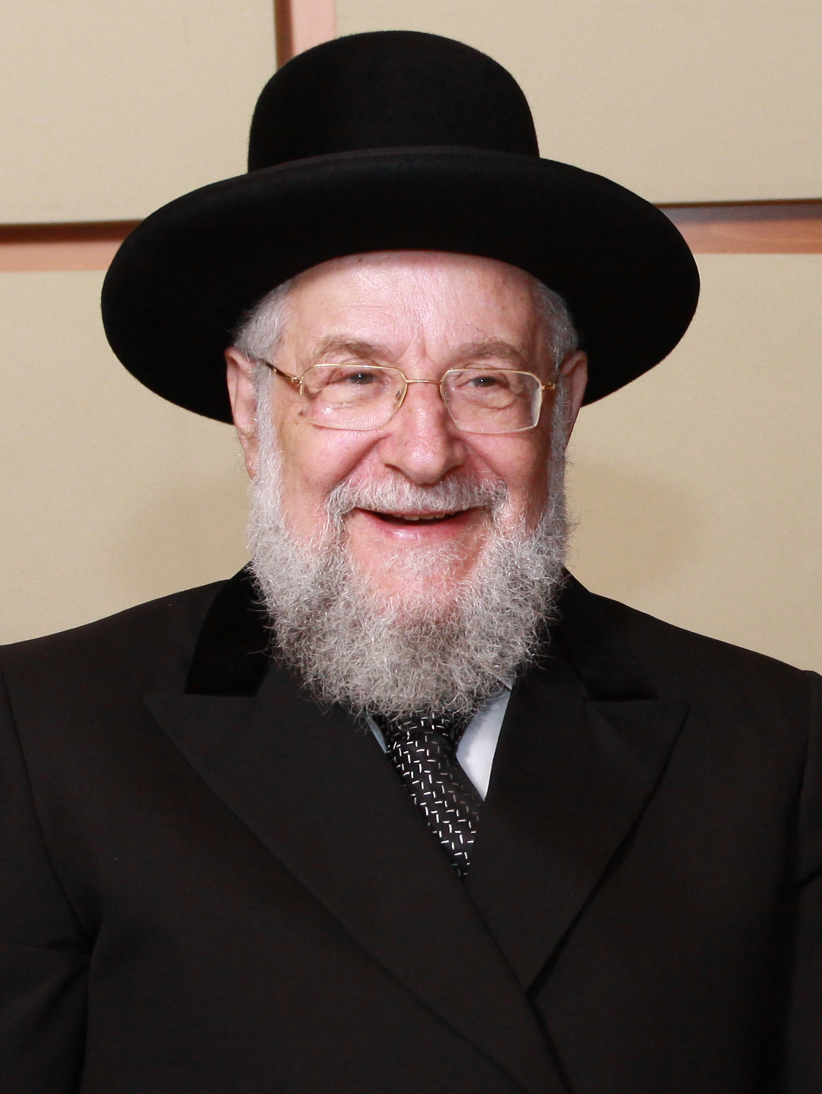 http://www.70for70.com/wp-content/uploads/2015/03/chief-rabbi-lau.jpg